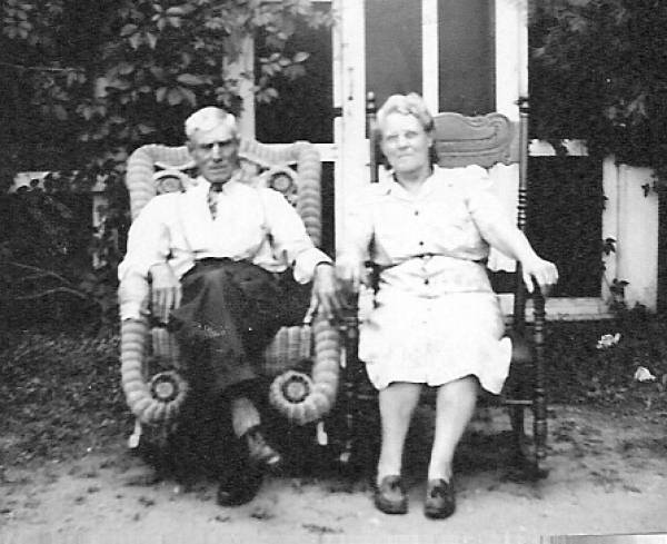 Arthur and Kizzie Hawley 1945-46