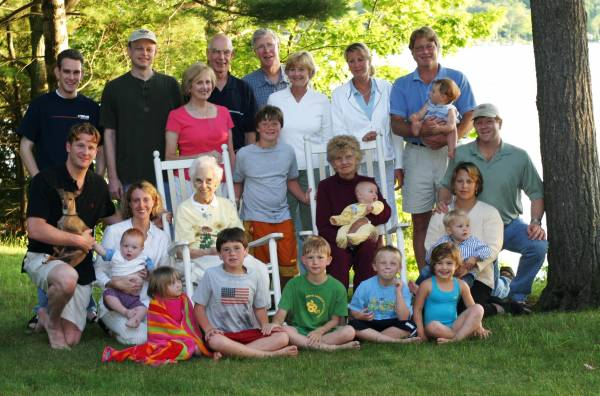 Frances Hawley's 90th Birthday with all offspring but Jared