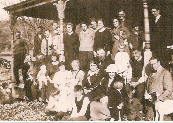 Hawley family reunion ~ 1929